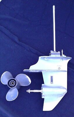2003 Yamaha 9.9 15 HP 2 Stroke Outboard Motor Lower Unit Assembly with Propeller