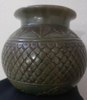 finest hand carved Mughal Nephrite Jade POT Qing dynasty 19 th century