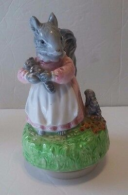 1981 Schmid Beatrix Potter's GOODY TIPTOES Music Box FREE SHIP