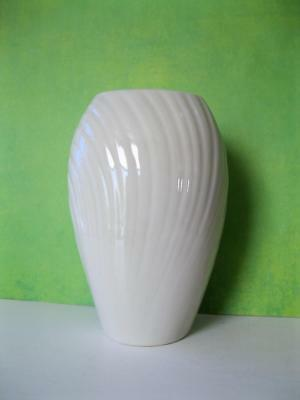 "Lenox Small Mirage Vase 4"" Tall Fine Ivory China ~ Excellent Condition!"