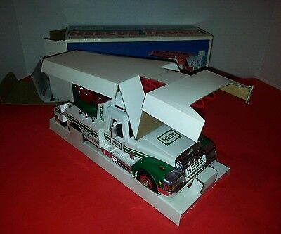 1994 Hess Truck - Hess Rescue Truck - Working Siren,  Horn, and Flashing Lights