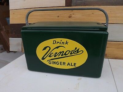 Vintage Vernor's Ginger Ale Soda Picnic Cooler With Sliding Tray GAS OIL SODA