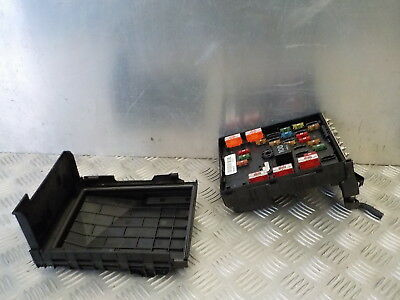 Audi A4 2004 Fuse Box further 225543 W8superb Sunroof Model Interior Light Cat Vision Mod in addition Audi A4 B6 Fans Wiring Diagram besides 1996 Audi A6 Fuse Box likewise Audi A6 Fuse Box Diagram. on fuse box on audi a3 2006
