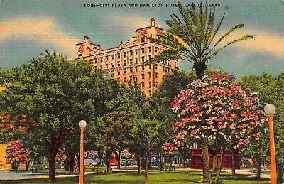 Vtg 1951 CITY PLAZA HAMILTON HOTEL LAREDO TEXAS TX Main City Park Linen Antique