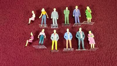 #9 O Scale Lot Of 12 Painted People Figures - Male - Female - Standing - Sitting