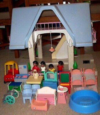 Little Tikes Dolls House With Furniture, Figures And Vehicle Choice Of  Family
