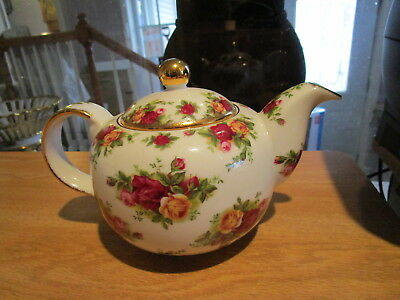 Royal Albert Old Country Roses Teapot 4-Cup Gold Trim - Red & Yellow Roses