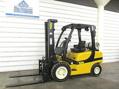 2008' Yale GLP060, 6,000# Pneumatic Tire Forklift, 3 Stage, S/S & Fork Position