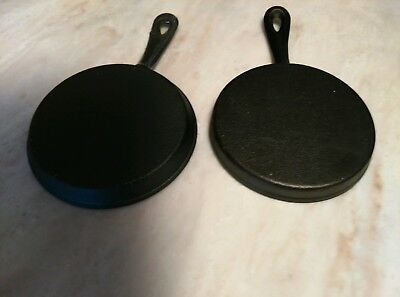 Vintage  2Pc Set Small Round Cast Iron Skillet Pans  ( 5. Inches Round )