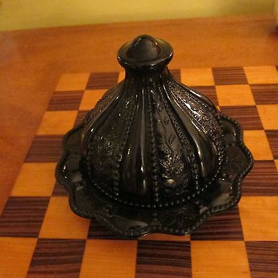 Antique Amethyst Glass Gorgeous Round Butter Dish bowl w/ Lid - scalloped purple