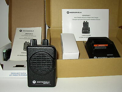 NEW MOTOROLA MINITOR V 5 UHF BAND PAGER 450-458 MHz 2-CHAN NON-STORED VOICE