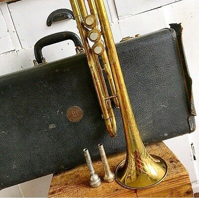 1940's CG CONN MODEL 22B TRUMPET & Case Very Good Condition Engraved Brass Pearl