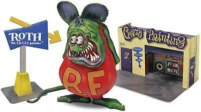 Revell 1/25 Ed Roth Rat Fink Crazy Painter w/Diorama 6732