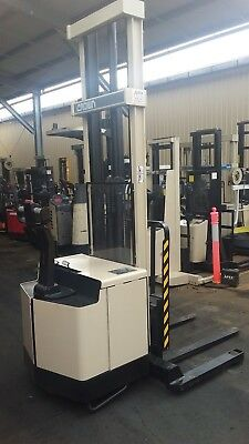 CROWN WALKIE STACKER 4.9M LIFT HEIGHT 1361 kG Max Capacity $7999+GST Negotiable