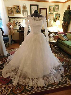 Gorgeous White Chantilly Lace Vintage Wedding Gown Long Sleeve From 1950's Sz 8