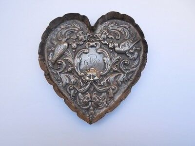 Antique Victorian Sterling silver heart shaped dish, 1898, 39 grams, Comyns