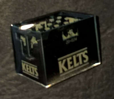 "Abzeichen Orden Medaille Sticker Pin ""Kelts Bierkasten - PIN - Sticker"""