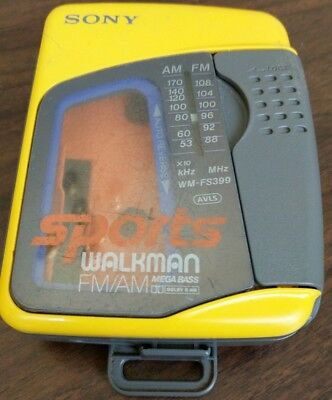 Sony Sports Walkman WM-FS399 FM/AM Cassette Tape Player Tested Works w/belt clip