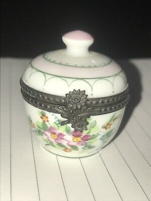 Signed vintage Peint Main Trinket Box Limoges France White Floral Pot Flowers