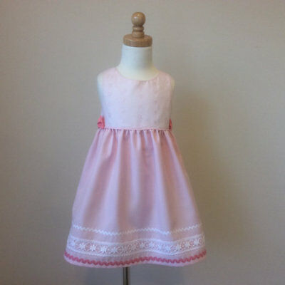 Handmade Girls Dress Size 2 BNWT Pink Broderie Angalaise with lace and bows