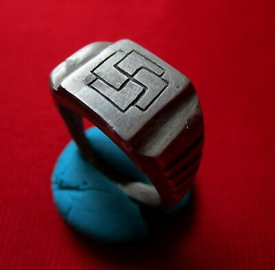 > SWASTIKA < Ancient ROMAN / CELTIC silver engraved ring. massive, I century AD.