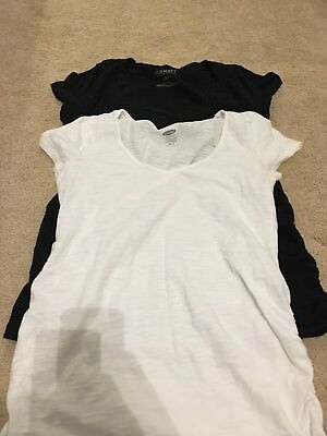 Old Navy Maternity lot of 2 Tshirts XS