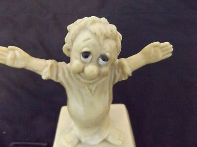 Large I Love You This Much Statue By Russ Berrie