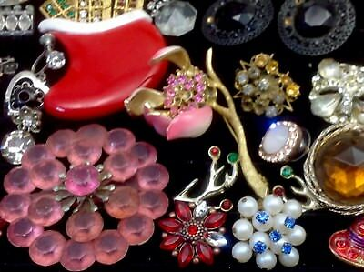 Large Lot Of Vintage~Now Rhinestone, Crystal.. Jewelry For Repair, Parts.. (E23)