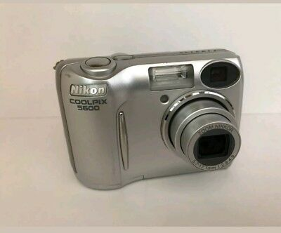 Excellent Nikon COOLPIX 5600 5.1 MP Digital Camera - Silver