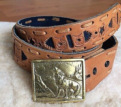 Wolf Howling at the Moon Brass Vintage 1976 Indiana Metal Craft Belt & Buckle 38