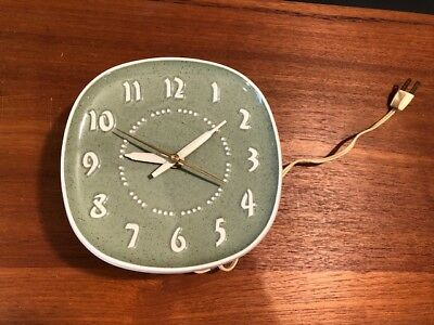 Mid Century Russell Wright ceramic clock green MINT working vintage kitchen GE