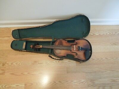A Vintage Violin/Fiddle and Carrying case
