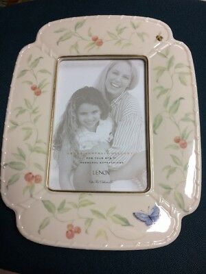 LENOX  frame 5x7 Perfect Condition. Never Used