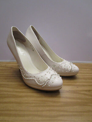 Camidy Wedding Shoes - Worn Once - May Be Imported Size 8 - 8.5 (38-39 Euro)