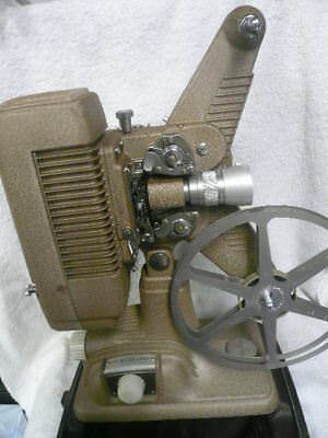 Revere P-90 8Mm Projector.. Works Fine.. In Original Carry Case