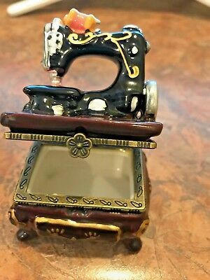 Style Sewing Machine Trinket Box Hinged with  Surprise Scissors & Thread Spool
