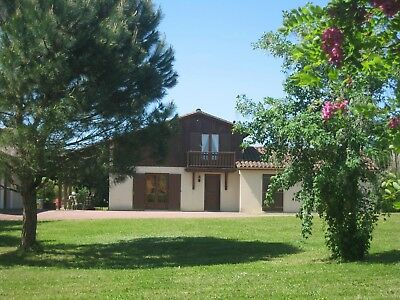 Holiday Villa Charente/Dordogne Border SW France with Private Heated Pool