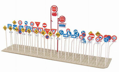 Sankei MP04-68 Traffic Signs A 1/150 N scale