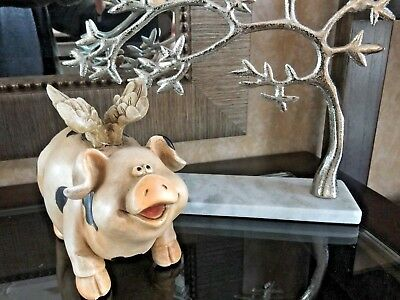 Flying Pig Figurine  Home Or Garden Decor Caw wanna Be Very Cute Gift