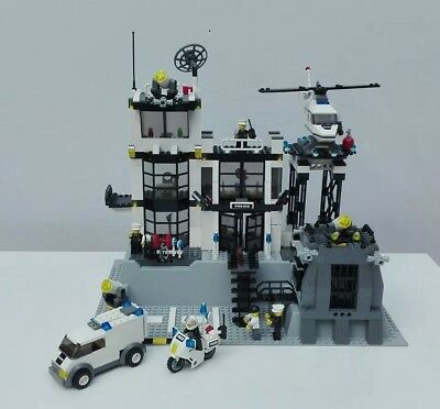 Lego City Police Station 7237 Complete With Instructions 3500