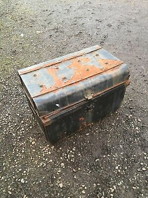 Old Tin Travelling Trunk Battered Prop Interior Display 12/2/T