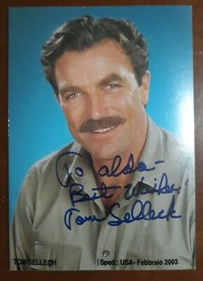 390 - Foto Con Firma Tom Selleck Magnum Pi Autografo Originale