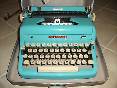 RARE Vintage Royal Quiet DeLuxe Turquoise Blue Manual Typewriter Case portable