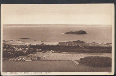 Scotland Postcard - North Berwick, The Town & Craigleith Island  RS7909