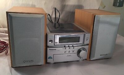 Panasonic SA-PMO3 Stereo System CD Player AM/FM Tuner And Speakers