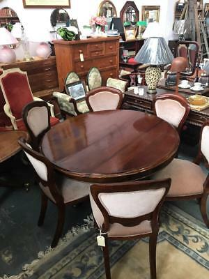 Antique Mahogany Circular Tilt Breakfast Table On Turned Pedestal & Triform Base