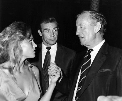 Dr. No UNSIGNED photo - L5696 - Sean Connery, Ian Fleming and Ursula Andress