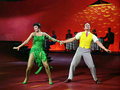 Singin' in the Rain UNSIGNED photograph - L5772 - Cyd Charisse and Gene Kelly