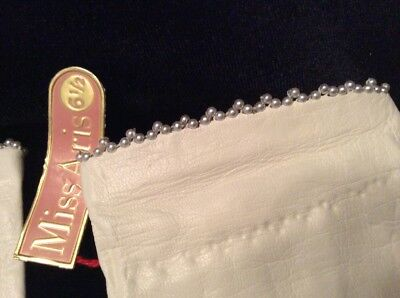 Miss Aris Gloves ~ Beautiful Beading ~ Soft Leather ~ Sz 6 1/2 ~ FREE SHIPPING
