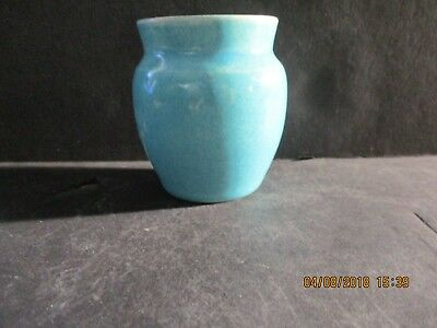 Broadmoor Pottery Denver, Colo. Pottery Turquoise Glazed Cabinet Vase